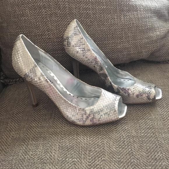 925a3c76862f73 Gianni Bini Shoes - Gianni Bini snake skin peep toe pumps size 7.5